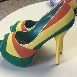 Tricolor platform heels by Alba
